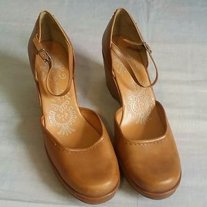 "Hush Puppies Shoes 8 M Heel 3"" Leather"